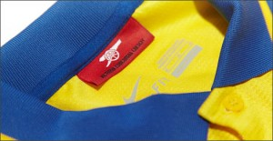 Arsenal_Away_13_14_IMG12