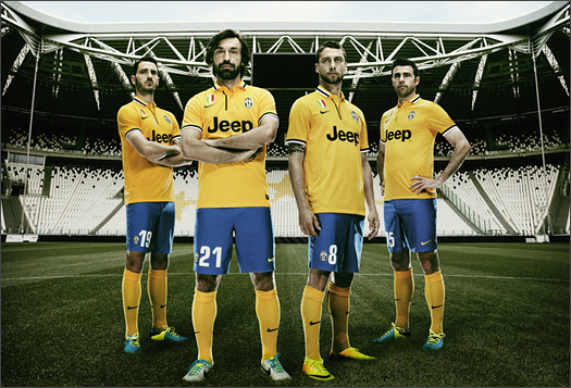 Juventus_Away_13_14_IMG1