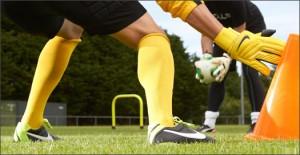 Nike-GK-Glove-Yellow-Play-Test-Img4