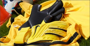 Nike_Gk_Gunn_Cut_Play_Test_Yellow_IMG13