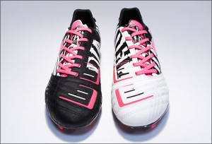 PowerCat-Graphic-Blk-Pink-Wht-Img1