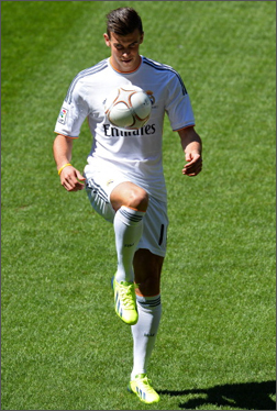 Bale_f50_Madrid_Unveiling_IMG2