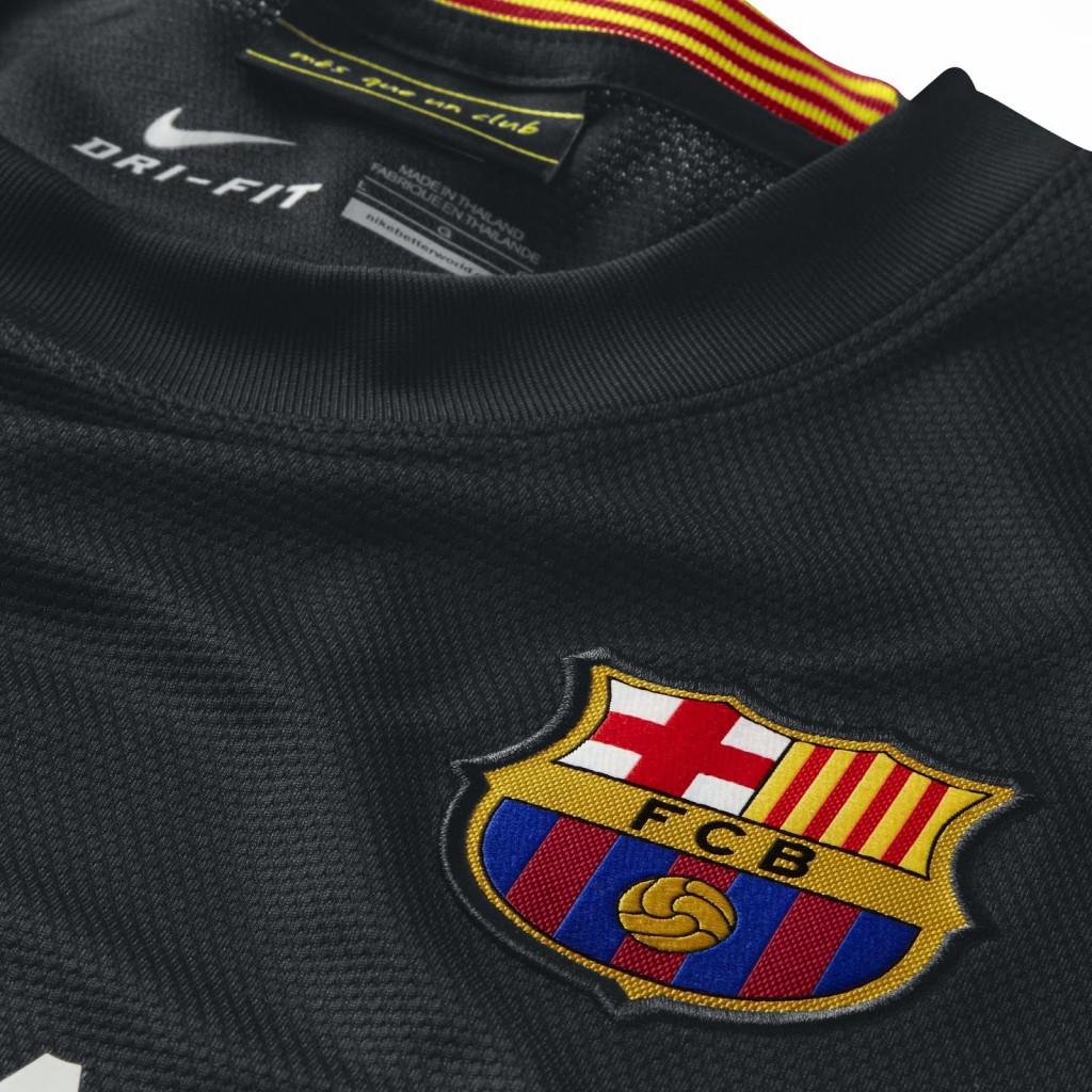 FC Barcelona 13 14 Third Kit 2