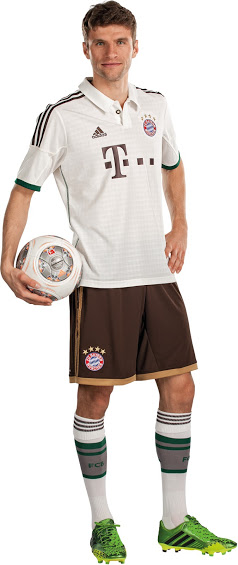FC+Bayern+M%C3%BCnchen+13-14+Away+Kit+(5)
