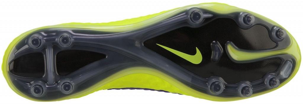 Nike-Hypervenom-Hi-Vis-Boot-sole