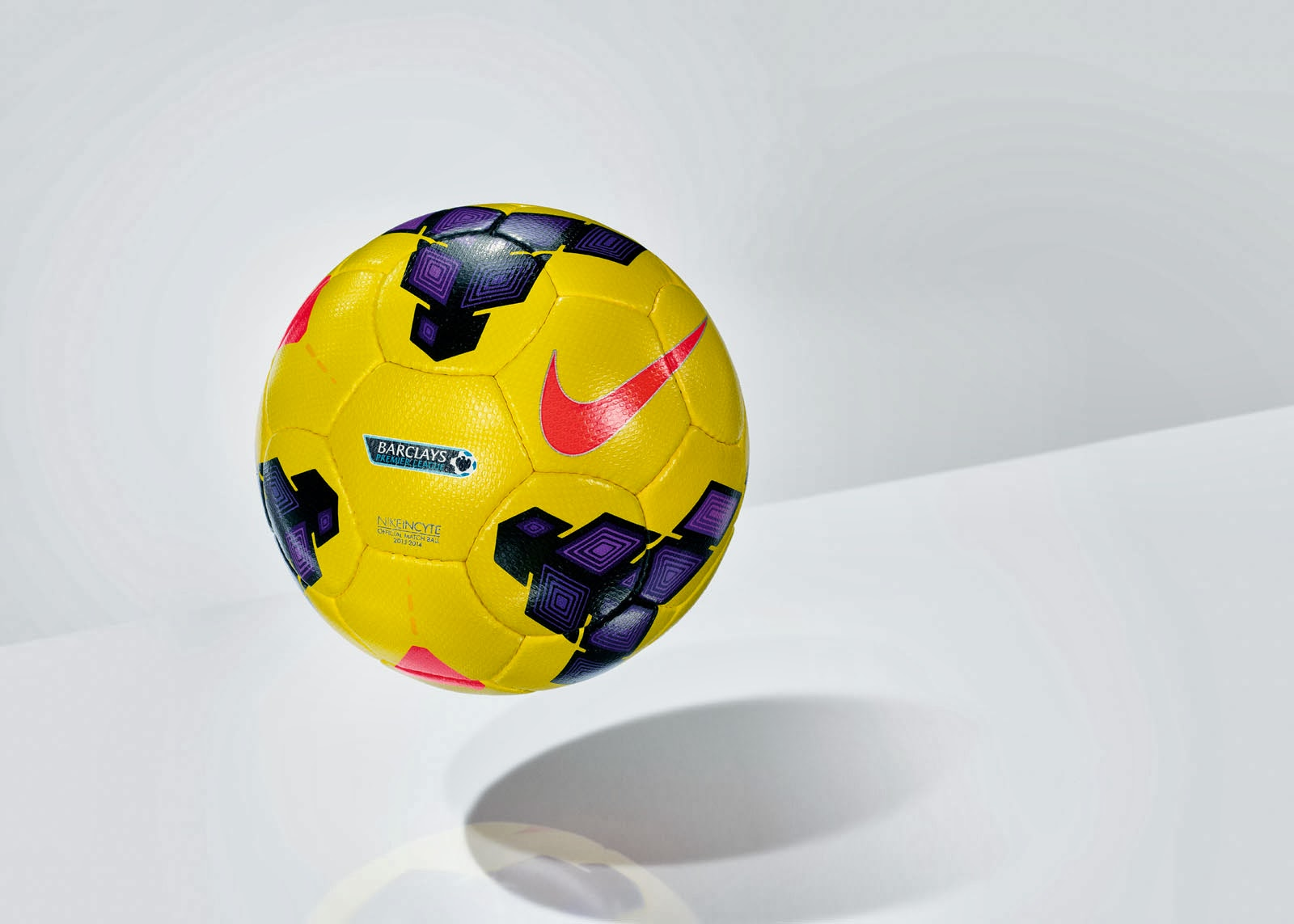 Nike Incyte Hi Vis Ball (6)