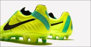 Nike-Tiempo-Legend-IV-Volt-Green-IMG10