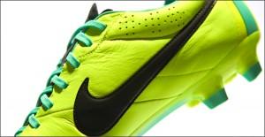 Nike-Tiempo-Legend-IV-Volt-Green-IMG5