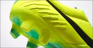 Nike-Tiempo-Legend-IV-Volt-Green-IMG9