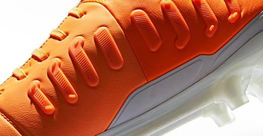 Nike_CTR_Maestri_III_Orange_Black_005