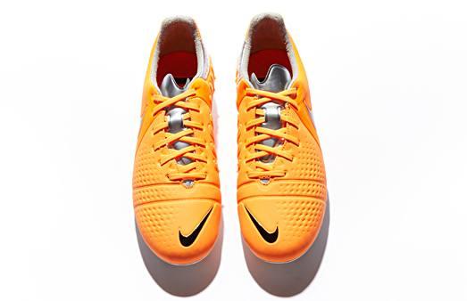Nike_CTR_Maestri_III_Orange_Black_008a