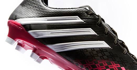 adidas_predator_black_berry_img5