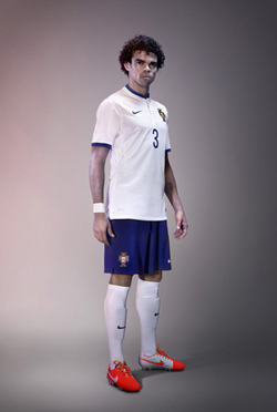 Nike_Portugal_Away_WC_2014_003