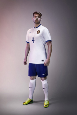 Nike_Portugal_Away_WC_2014_004