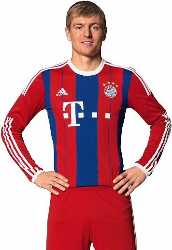 FC Bayern Munich 14-15 Home Kit Kroos (2)