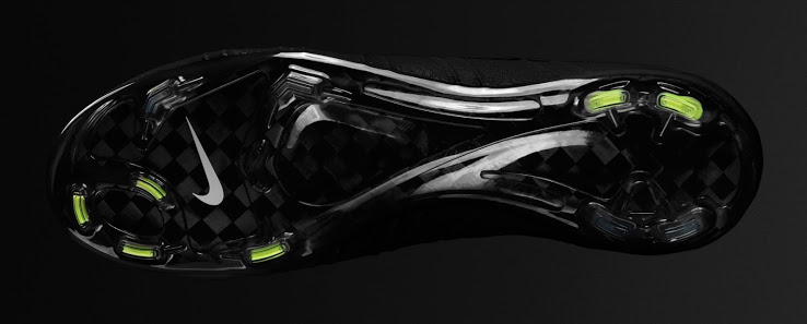 Nike Mercurial Superfly Blackout 2014 Boot (2)