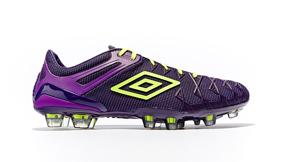 umbro_ux1_reveal_closer_look_img2