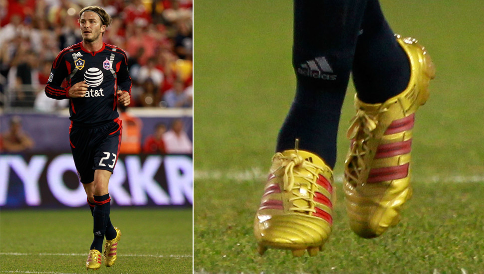 players_wearing_gold_boots_img1