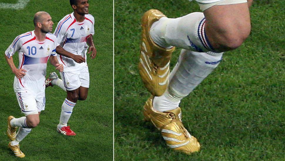 players_wearing_gold_boots_img2