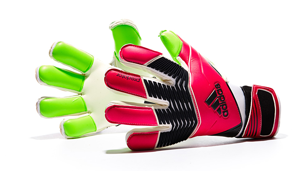 kickster_ru_adidas_predator_goalkeeper_gloves_01