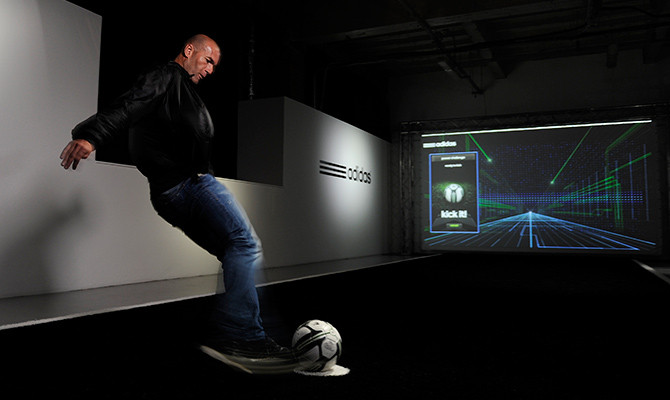 kickster_ru_adidas_micoach_smartball_01