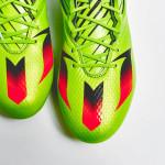 Ярко-зеленые бутсы Adidas Messi15