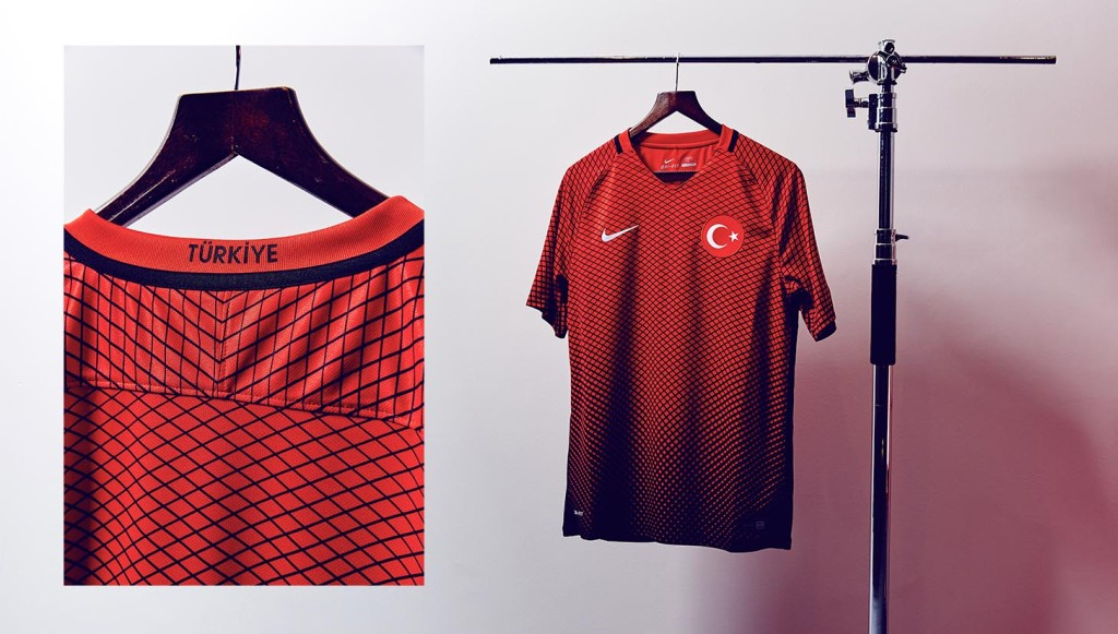 kickster_ru_nike-international-shirts-turkey